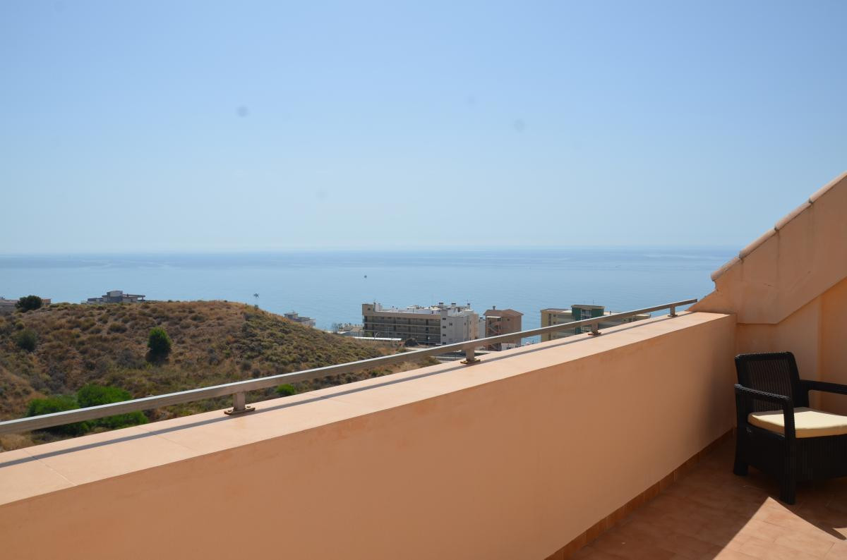 A nice penthouse just 300 meters away from the famous beaches in Carvajal, Fuengirola. The penthouse, Spain