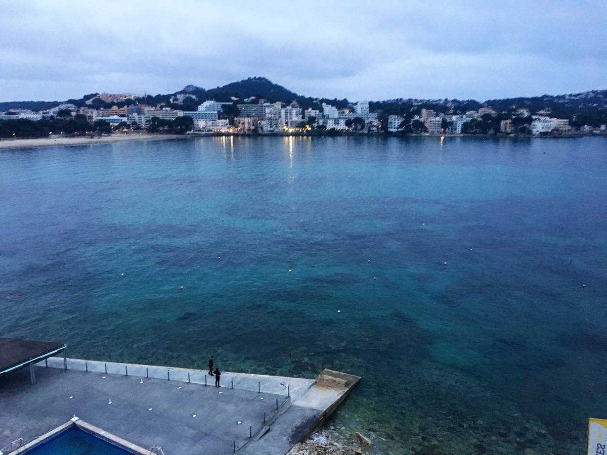 Apartment for sell or  rent in 1 line of the sea for long season , has a doble  bedroom, kitchen, li, Spain