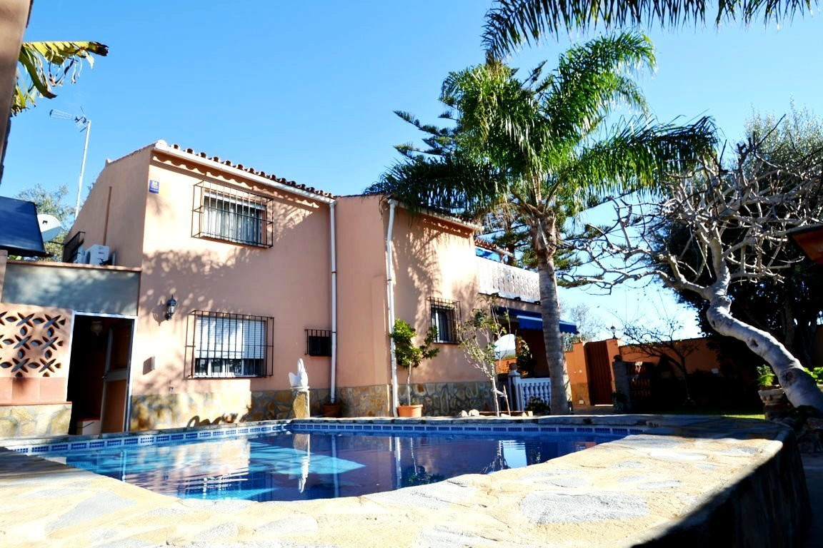 5 bedrooms house in El Rosario  Completely renovated this independent house is located in the area o,Spain