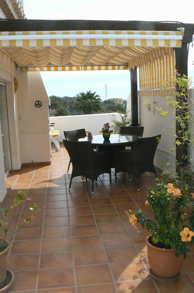 Beautiful penthouse apartment with beautiful terrace. All in tip top condition in the Scandinavian s,Spain