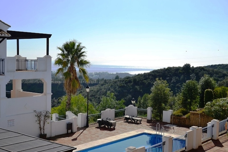 This urbanisation is located in Marbella, at 55km from Malaga airport. The area is peacefull and sur, Spain