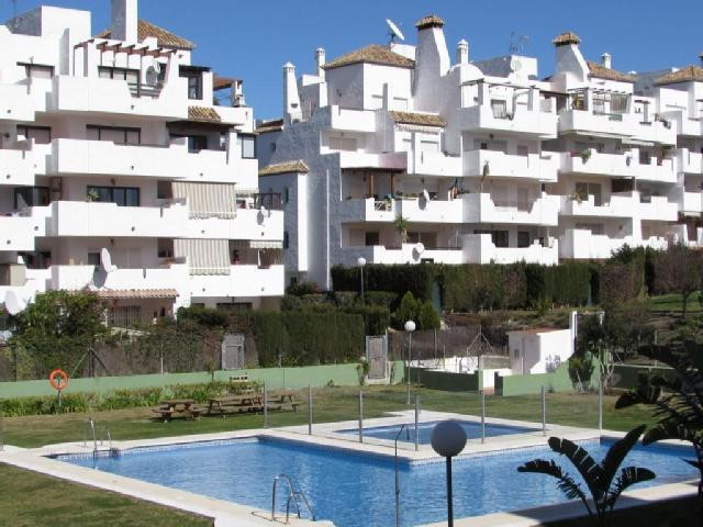 Views to Gibraltar!   An Excellent 3 BED Duplex Penthouse apartment sold completely furnished, ready,Spain
