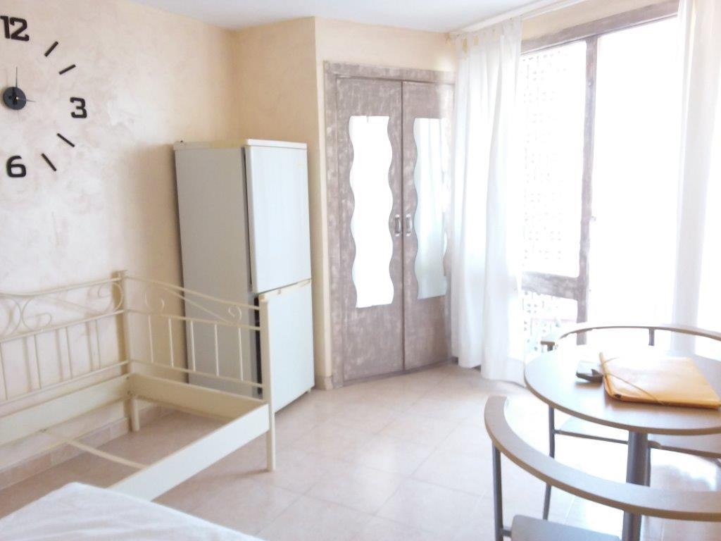 EXCELLENT SMALL  STUDIO CLOSE TO THE BEACH AND ALL SHOPS . WALKING DISTANCE TO RESTAURANTS AND BARS ,Spain