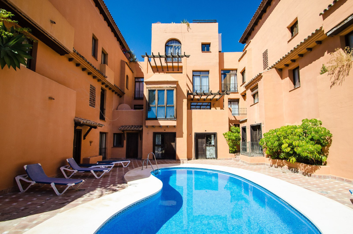 Save over 40k euros !, this is a two bedroom apartment with two private baths on the beach. Only 4 m,Spain