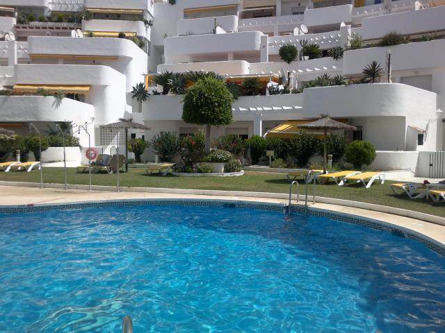 Amazing ground floor apartment very spacious  .Close  to all amenities, nice  gardens  and swimming ,Spain