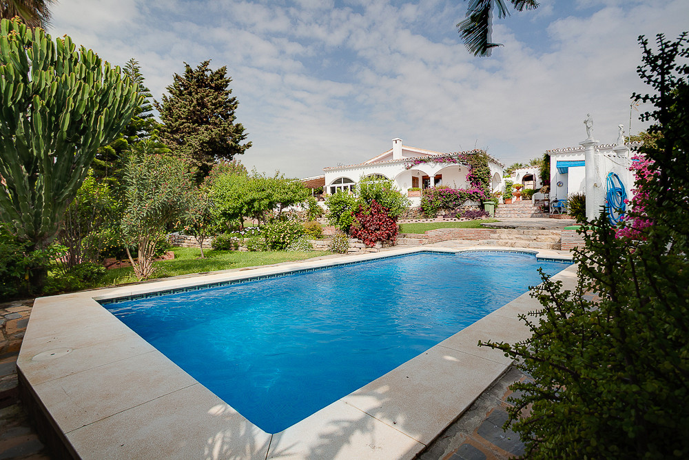 Beautiful villa on one level, completely refurbished in February 2017 in the highly sought after are, Spain