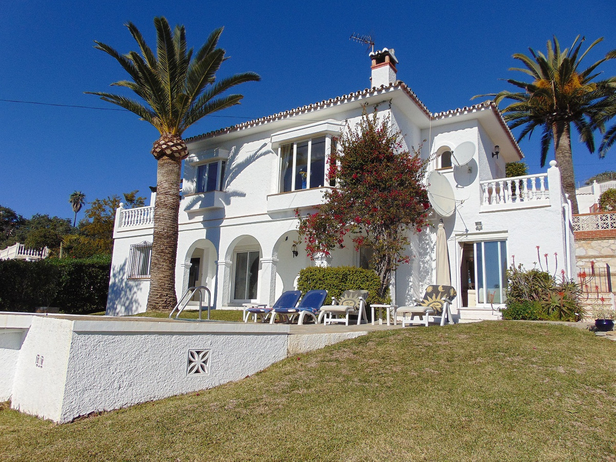 Lovely villa in Elviria area with stunning views to the sea, mountains & surrounds which has bee Spain