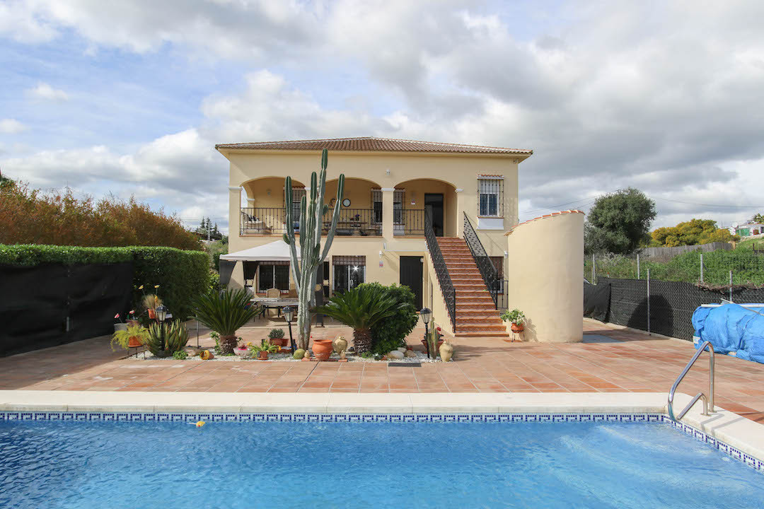 Detached Villa with Separate Accommodation and Garage  .3 Bedroom Villa .2 Bedroom Separate Accommod,Spain