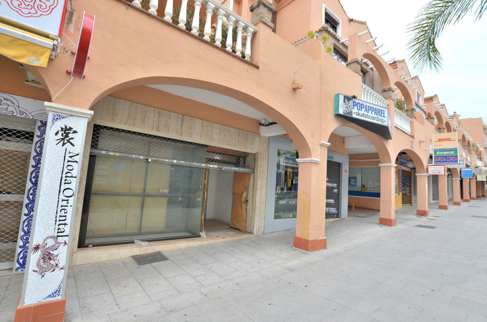 GREAT LOCATION! Commercial premise located in the heart of Arroyo de la Miel, on the main avenue whe, Spain