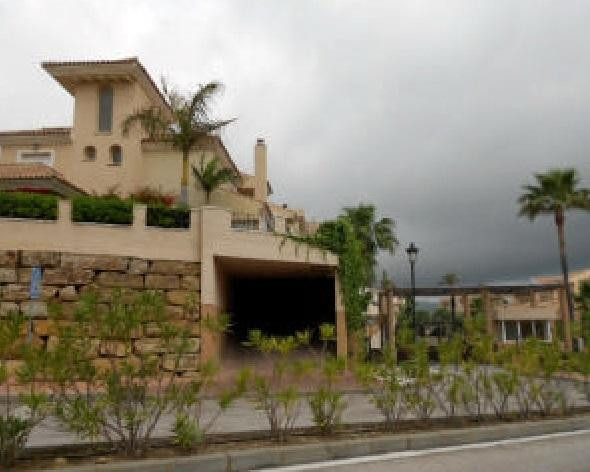 Bank repossession End of terraced house located in  Castillo De La Duquesa with 3 floors with 3 bedr,Spain