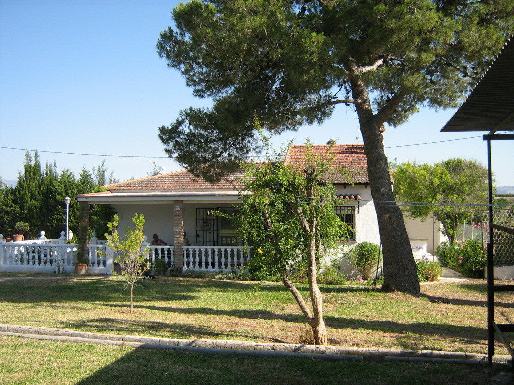4 bedroom Country Villa with Pool, located close to the edge of Alhaurin El Grande With the potentia,Spain