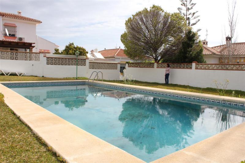 Beautiful 5 bedrooms villa, 3 bathrooms, fully refurbished, Great location. Very good area. Sea view,Spain