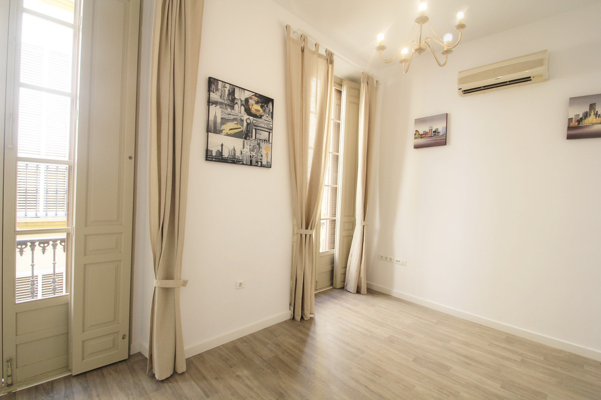 Stunning apartment WITH TERRACE in the heart of the Historical Centre, in a historical building that,Spain