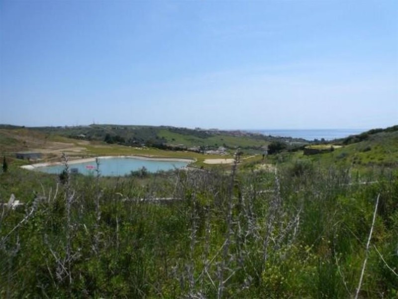 Large plot in Valle Romano (Estepona). The plot has an area of 520 sqm and beautiful sea views. It h,Spain