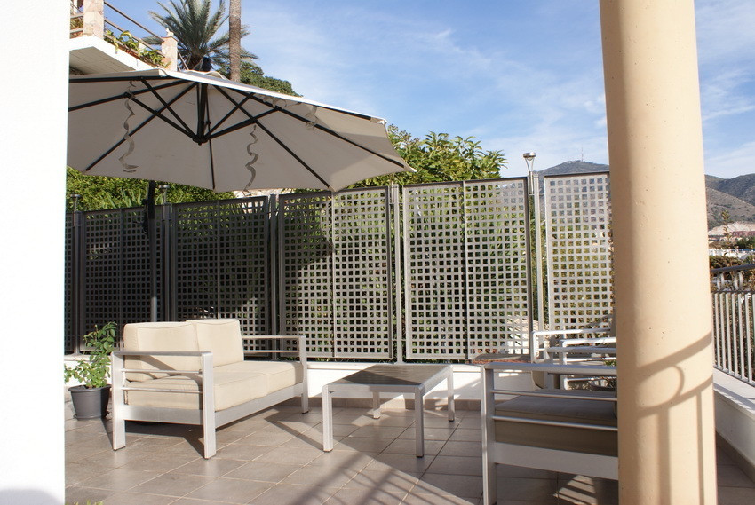 EXCELLENT CORNER TERRACE TOWNHOUSE situated in the lower area of Torreblanca del Sol. Living room w/,Spain