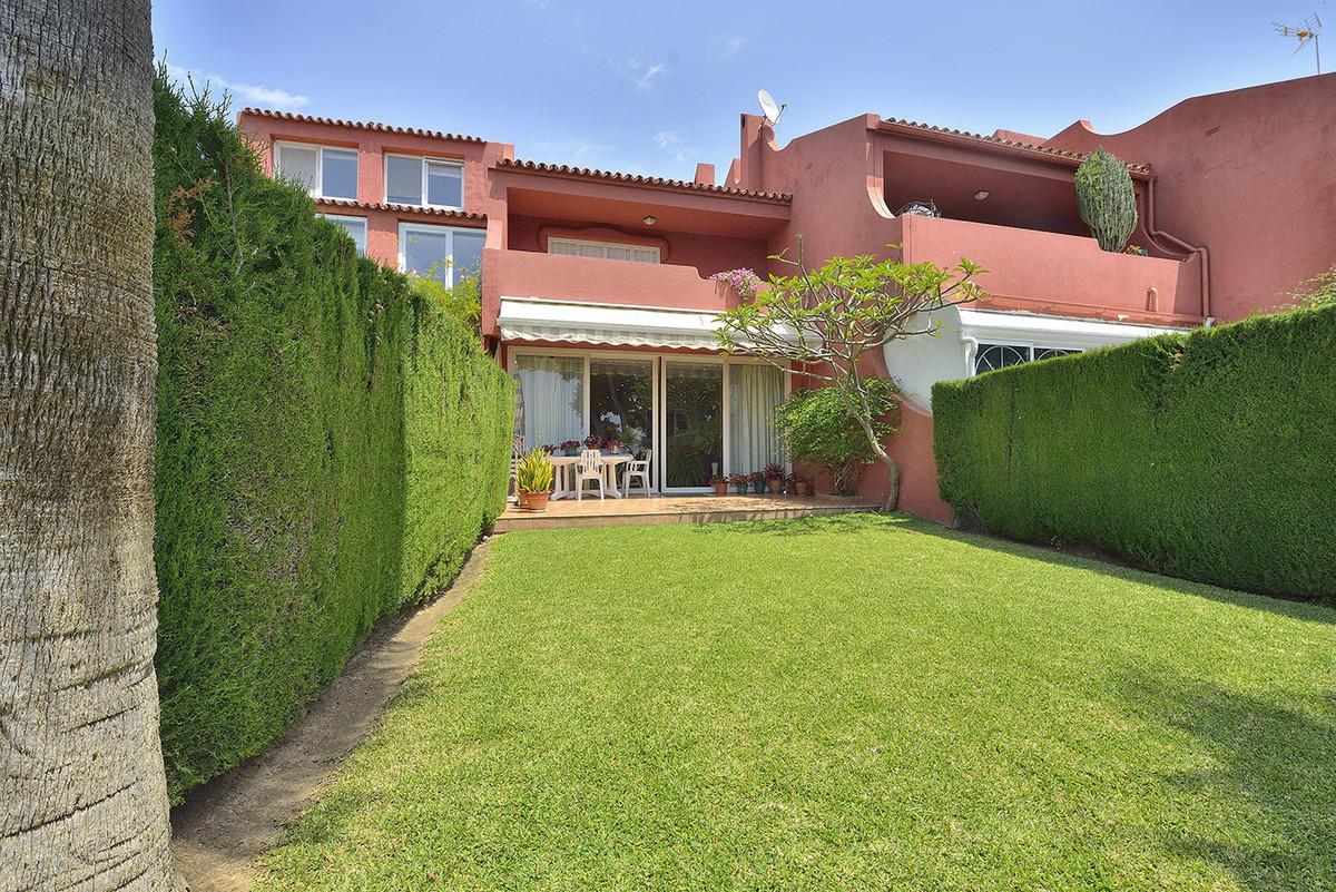 Townhouse, Benalmadena, Costa del Sol. 3 Bedrooms, 2 Bathrooms, Built 132 m², Terrace 45 m², Garden/,Spain