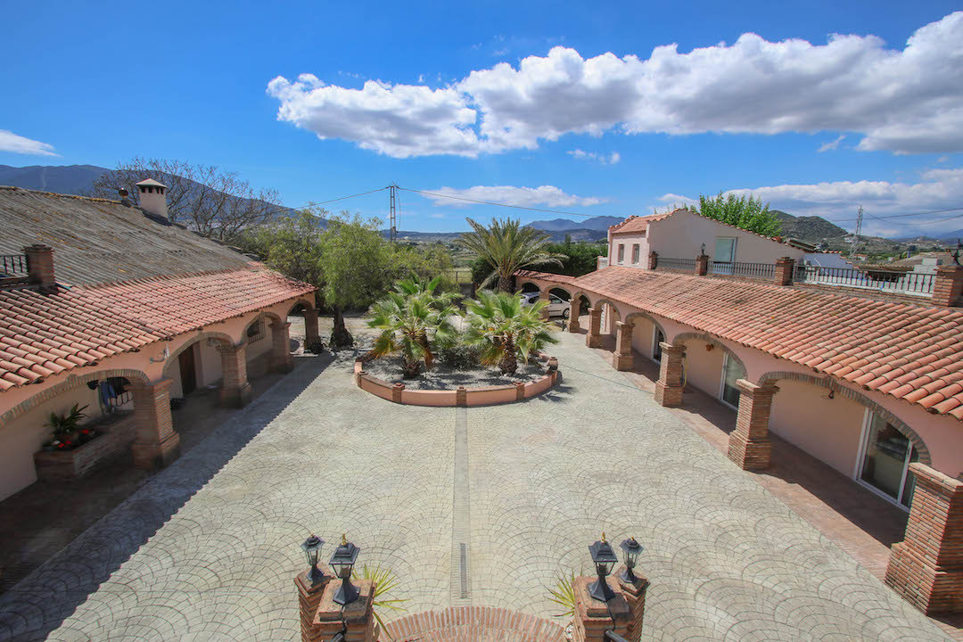 Holiday Rental Business.  Possible B&B Accommodation.  .5 Studio Apartment .1 Bedroom Apartment ,Spain