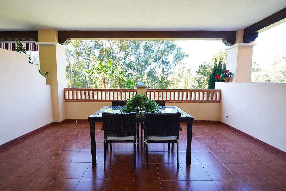 Middle Floor Apartment, Benahavis, Costa del Sol. 2 Bedrooms, 2.5 Bathrooms, Built 117 m², Terrace 3, Spain