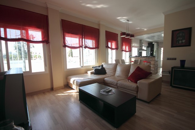 Garden Apartment, Close to Port, Partly Furnished, Fitted Kitchen, Parking: Off road parking, Commun,Spain
