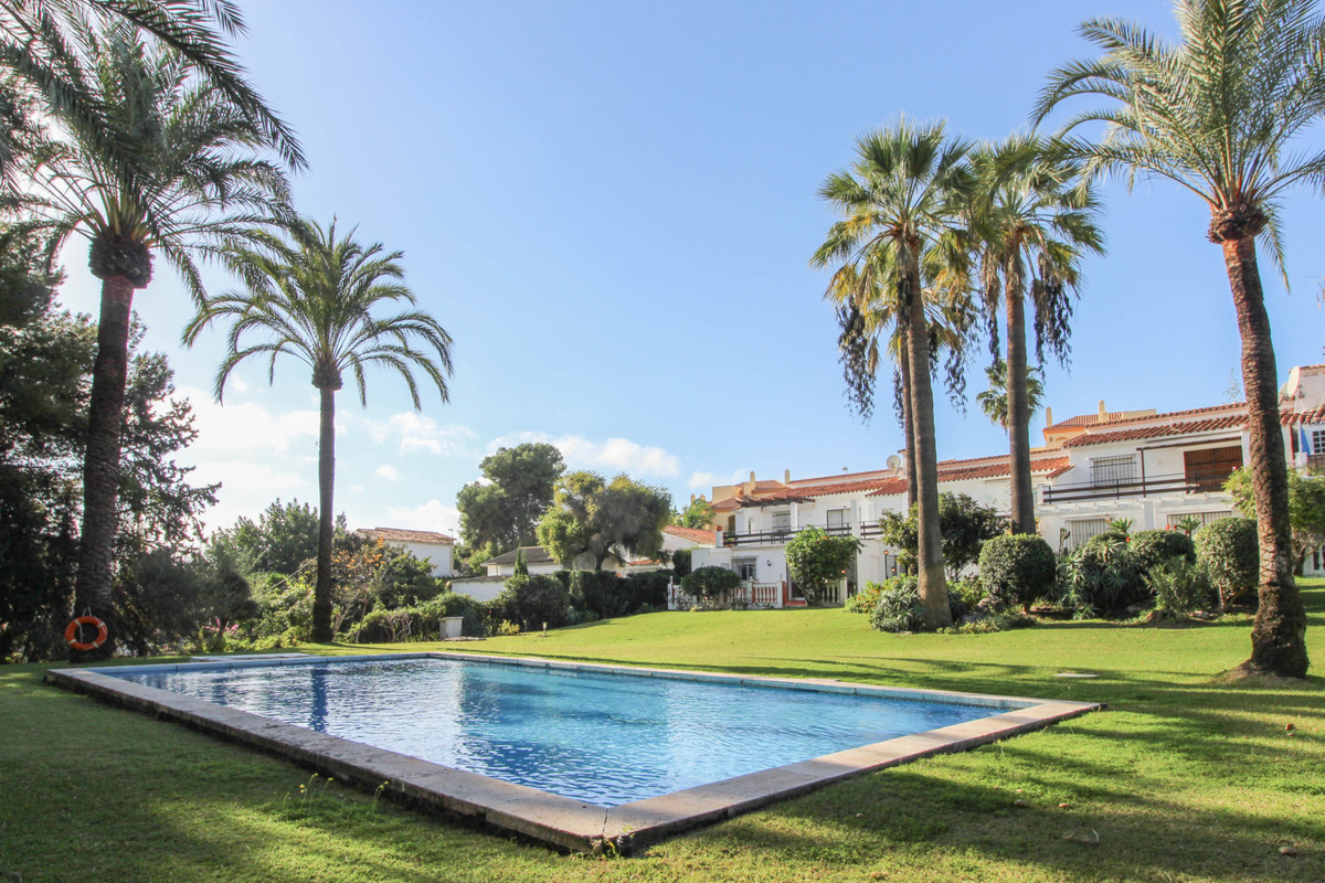 Situated in a very private complex of only six apartments this very well priced garden property in N,Spain