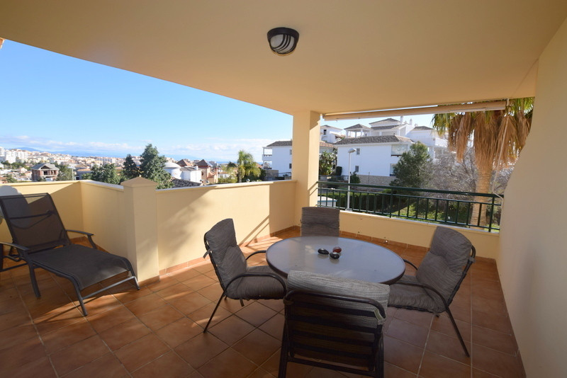 Nice two bedrooms, two bathrooms apartment, two parking places. Ready to move in. Short distance to ,Spain