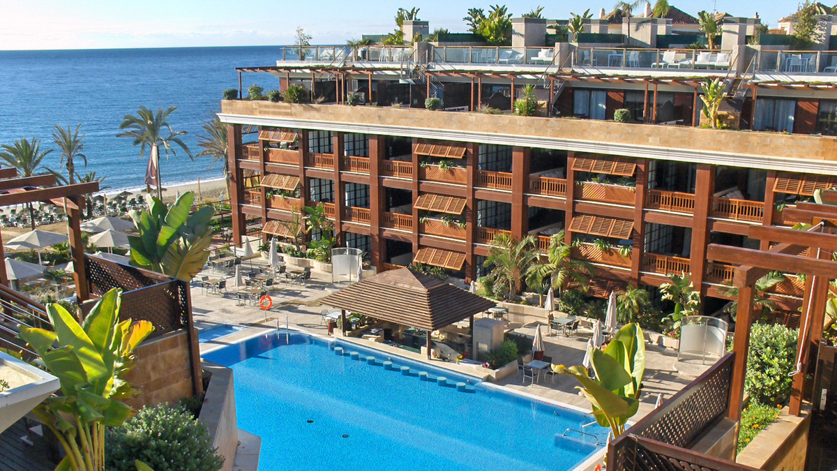 Frontline beach ground floor apartment for sale in 5 star hotel . Located on first line beach. Moder, Spain