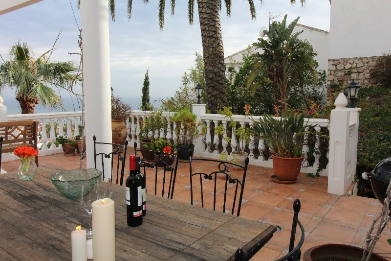 Lovely large villa with stunning views of the Mediterranean Sea, contains four bedrooms, three large,Spain