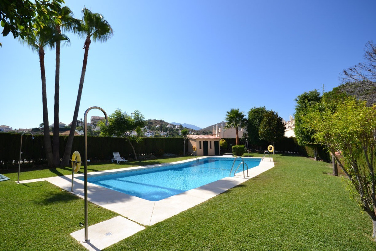 - DUPLEX APARTMENT IN GROUND FLOOR - PRICE REDUCTION FROM 348,000  Duplex apartment with 3 bedrooms ,Spain