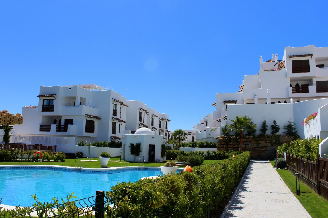 Luxury new 2 Bedroom 2 bathroom ground floor apartment located between San Pedro and Estepona. Fully, Spain