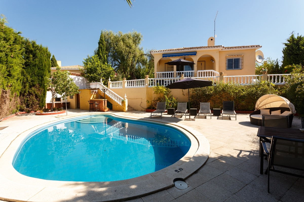 A Unique Investment Opportunity: A one level, detached, villa generating over 40 weeks' rental at €1, Spain
