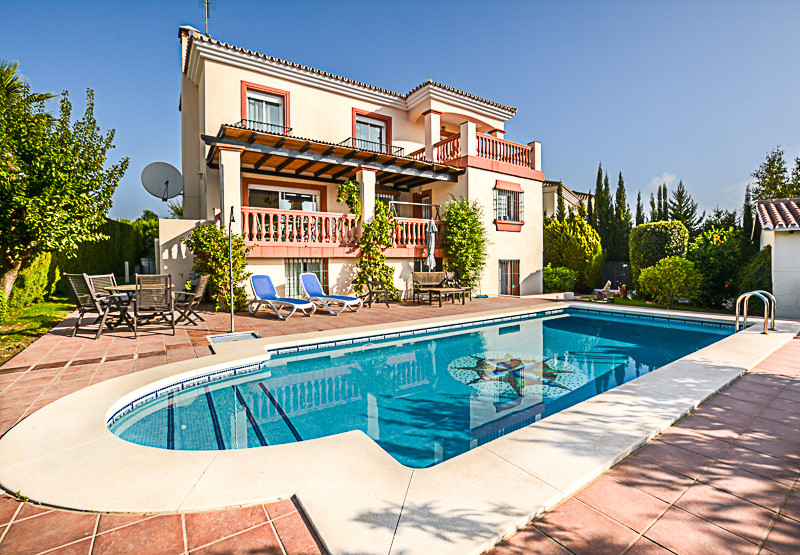 Spacious  5-bedroom villa located on the outskirts of Coin set in a prime location (Las Delicias) en, Spain