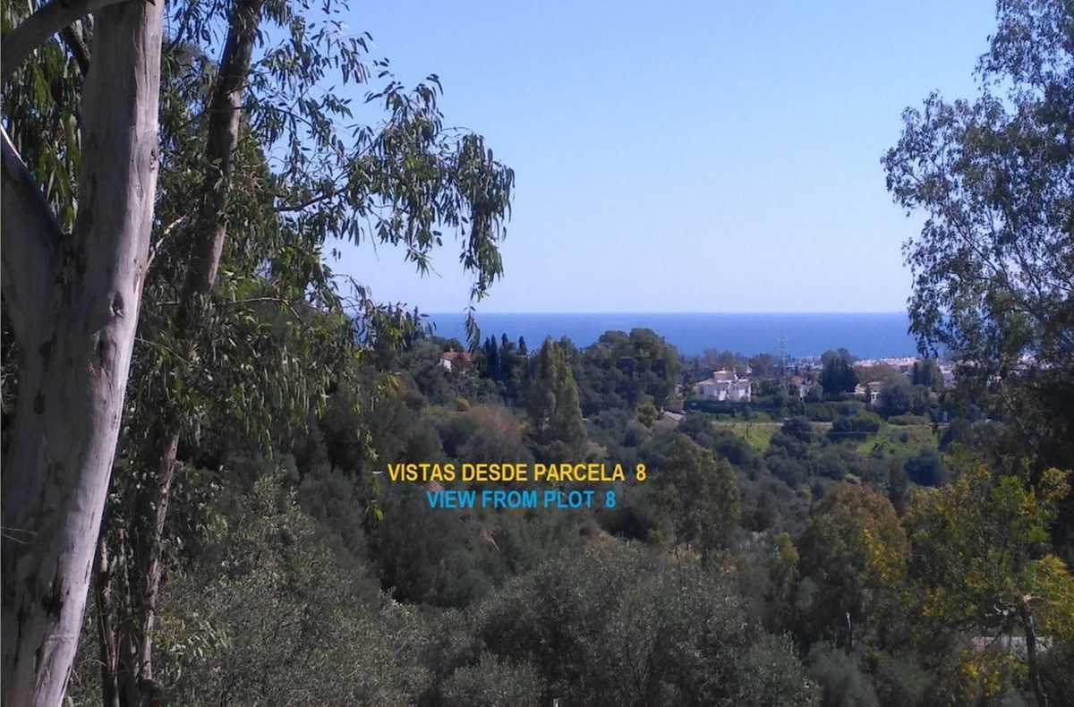 Magnificent plot of urban land of 1,380 sqm, to build detached villa in residential urbanization wit, Spain