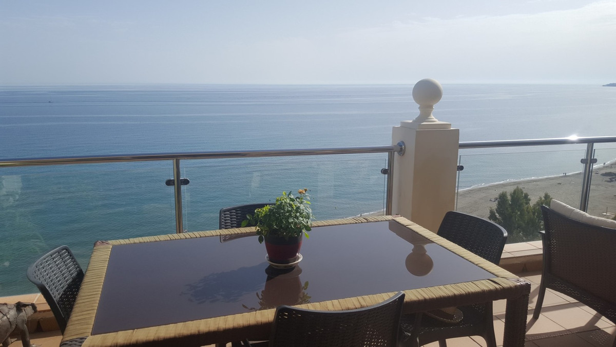 A frontline beach penthouse apartment which was originally a 3 bedroom property but which has been t, Spain