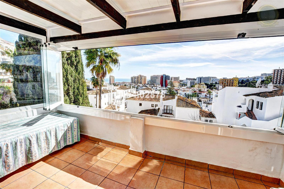 Spacious 2 bed 2 bath apartment with several sunny terraces, plenty of afternoon sun and located clo,Spain