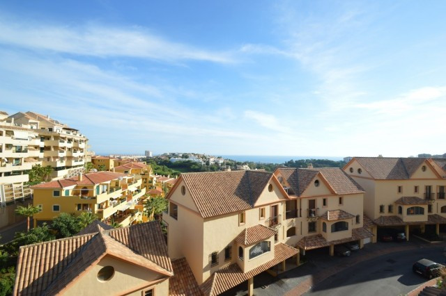 Very nice apartment located opposite the Torrequebrada golf course and 1.9km from the beach..  The d,Spain