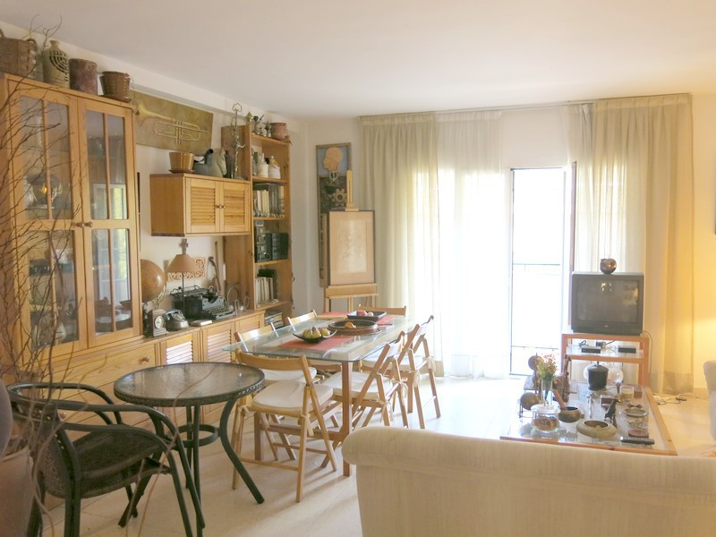 Middle Floor Apartment, Fuengirola, Costa del Sol. 3 Bedrooms, 1 Bathroom, Built 87 m², Terrace 22 m, Spain