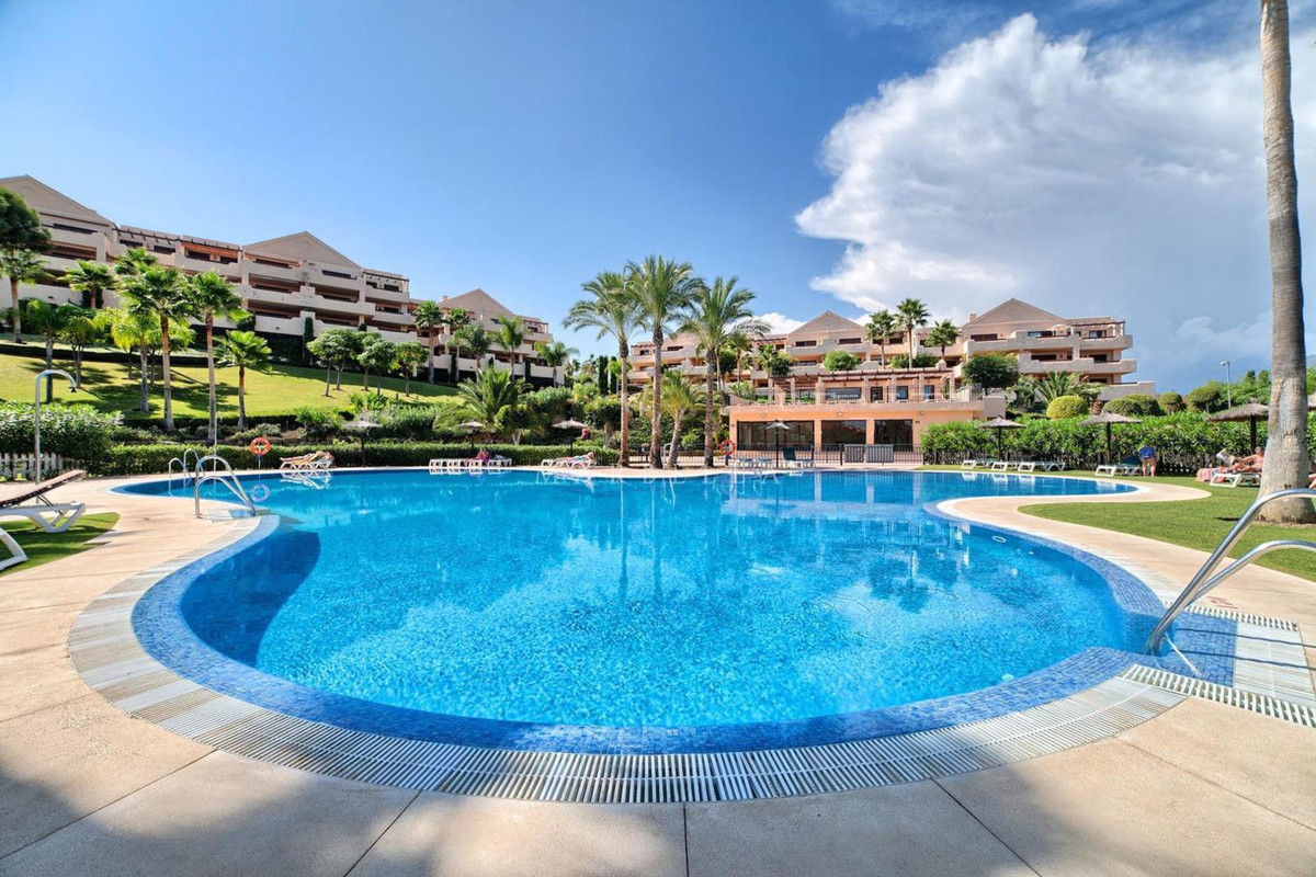 *** Reduced to Sell by the End of the Month *** Spacious 2-Bed Apartment in Luxury Complex in the Ne,Spain