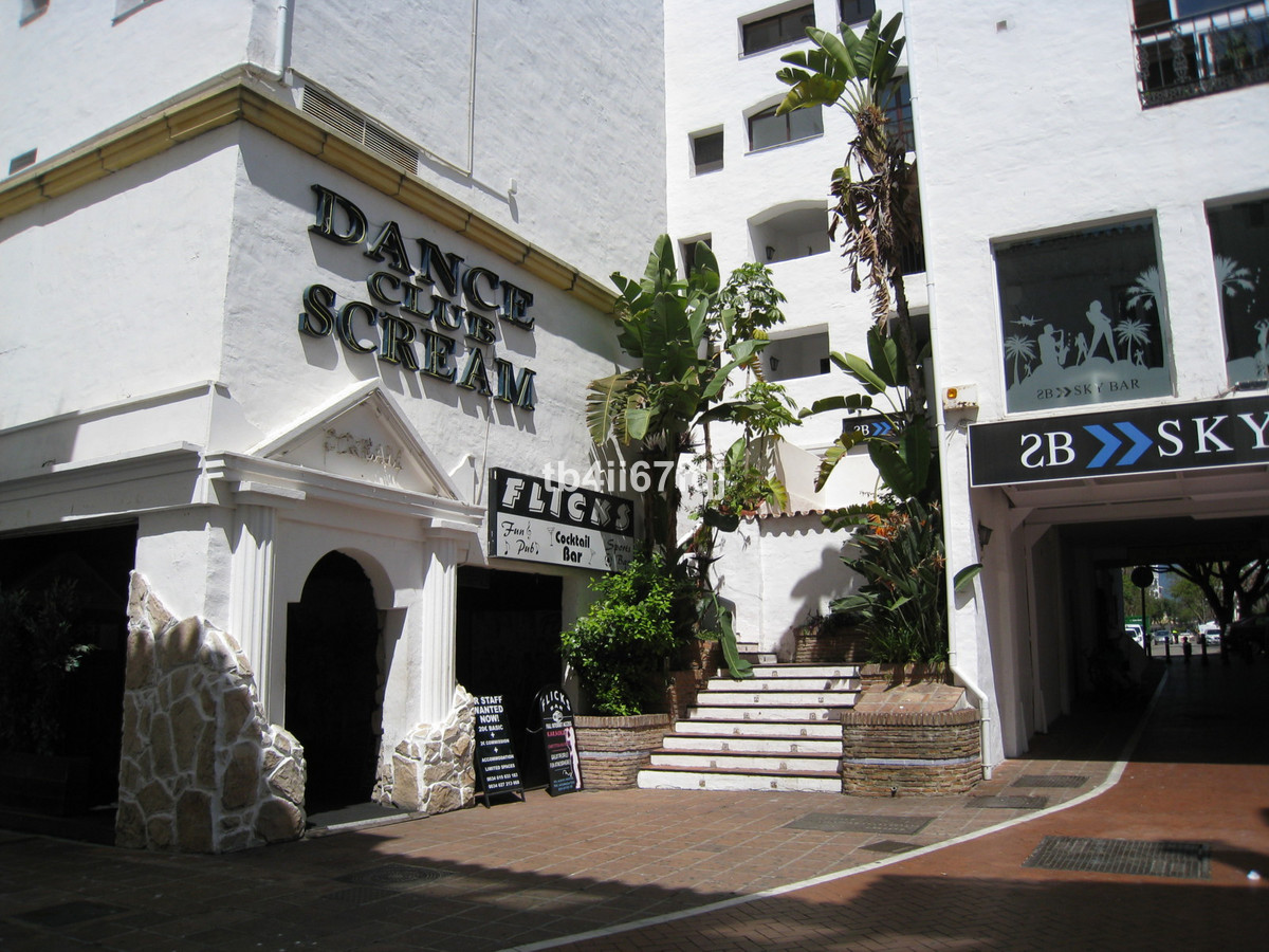 A superb 2 bedroom, 2 bathroom apartment right in the heart of the Puerto Banus Marina.   Located on,Spain