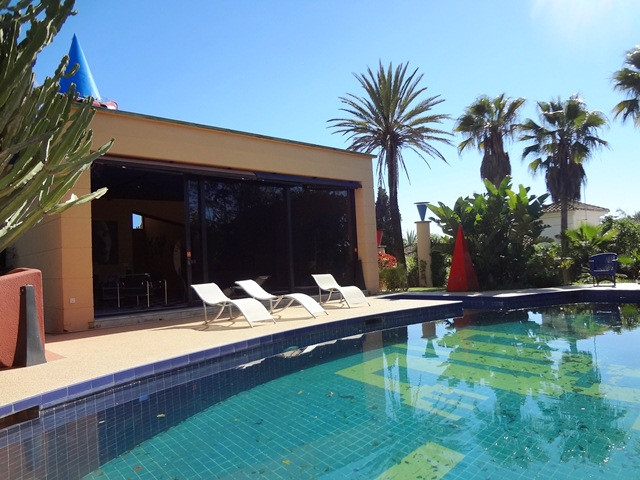 Excellent villa located in the sought-after area of Carib Playa and with a very special design that , Spain