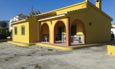PRICE REDUCED!! South facing rustic home located in Alhaurin de la Torre.  Home consist of 3 bedroom, Spain