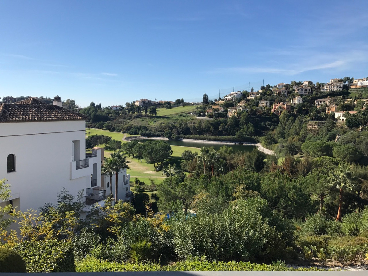 *Sold completely furnished*  This fabulous frontline golf 2 bedroom apartment is excellent value for, Spain