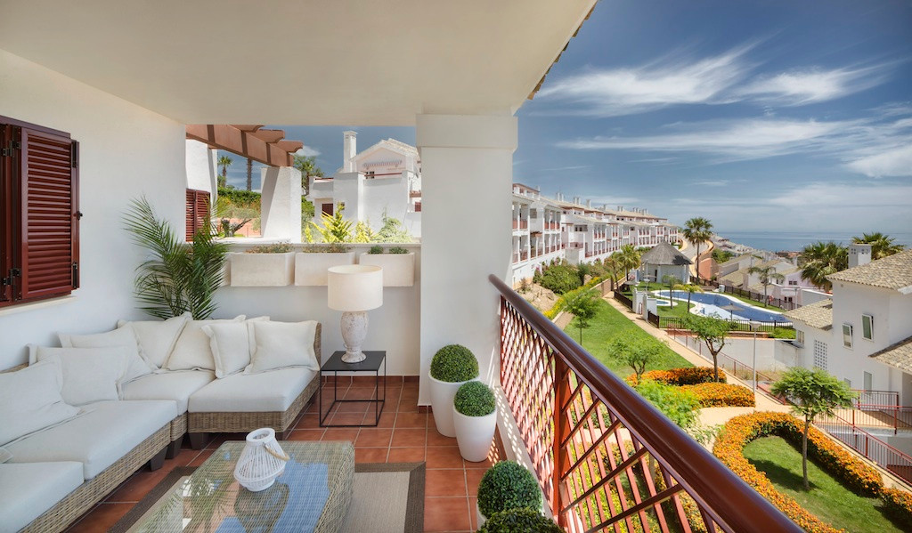 2&3 bedroom apartments, top-floor and ground-floor apartments with terraces and fully-equipped k, Spain