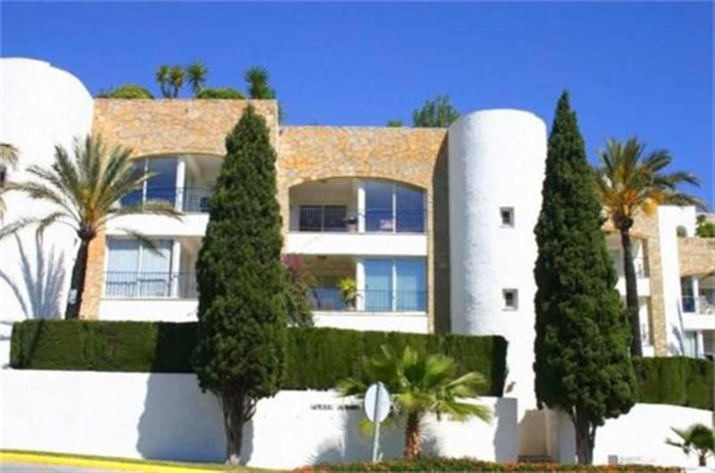 Wonderful garden apartment in Green Andaluz, just after prestigious 5 star hotel Byblos. The complex,Spain