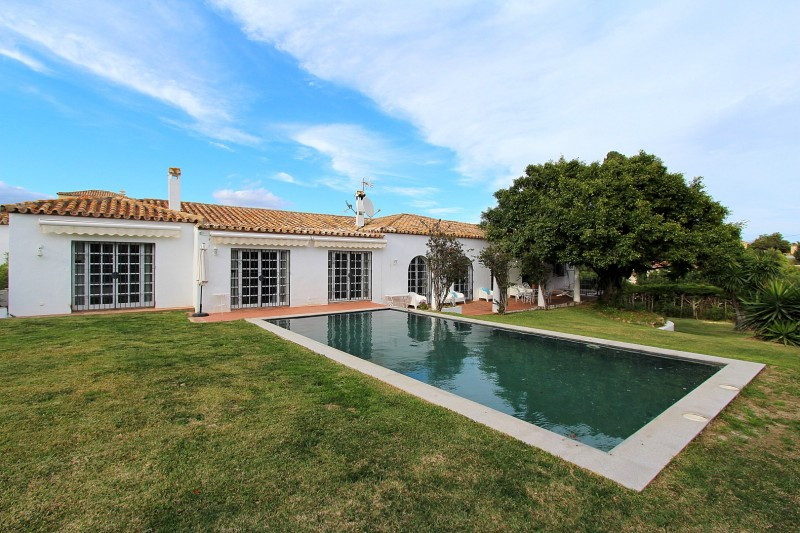 Charming one level Villa situated in Lindavista Baja, lovely beachside urbanisation of popular town , Spain