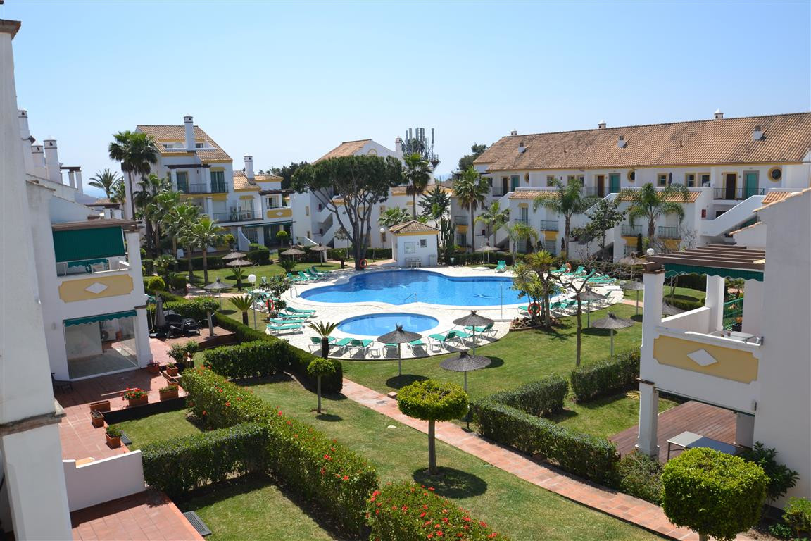 Unique duplex located in the area of Carib Playa, Marbella East. This lovely duplex is distributed o,Spain