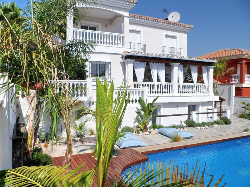 Great and modern villa situated in the sought after urbanization Las Delicias.  The villa is on 3 fl,Spain