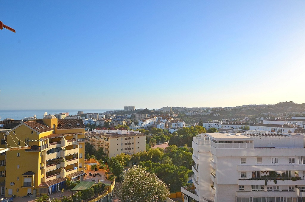 JUST REDUCED FROM 69.950 to 65.000 € FOR A QUICK SALE!  TOP FLOOR STUDIO WITH NICE SEA & MOUNTAI,Spain