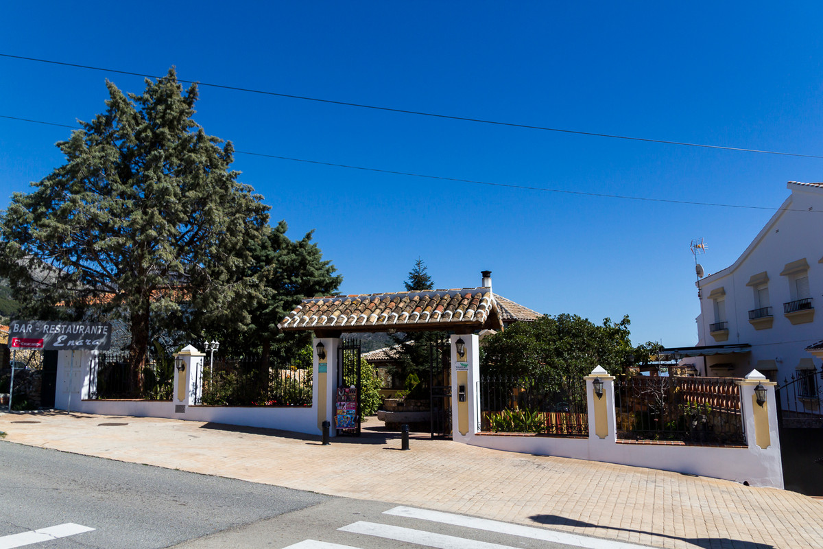 FULL DOMAIN PROPERTY Ideal for investors !! It is in principle a restaurant of 200m2 in full operati, Spain
