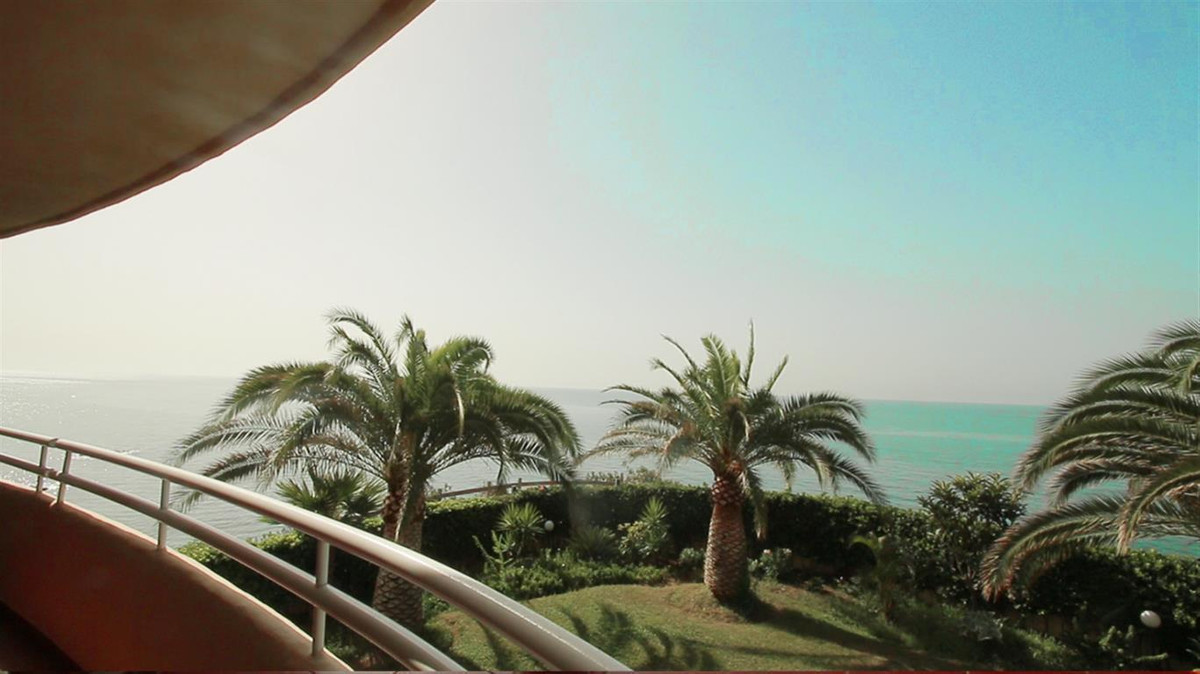 Superb luxury apartment for sale in 1st line beach in Torrequebrada. 3 bedrooms, 2 bathrooms, kitche Spain