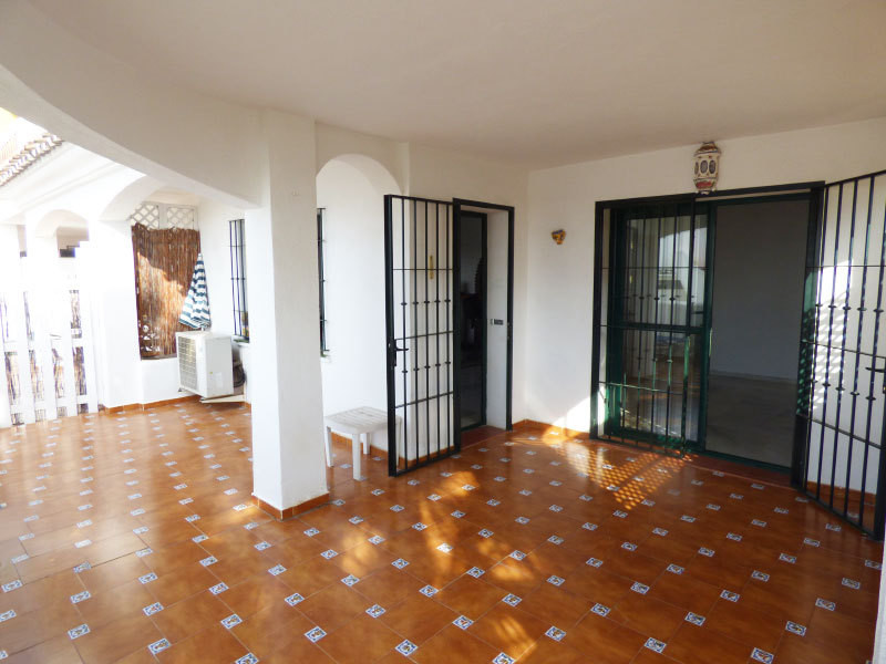 Price has just been dropped from 159000€ to 148500€ with a private garage now included in the price ,Spain